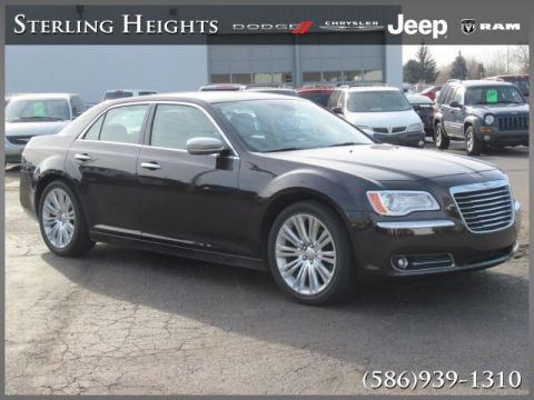 Pre-Owned 2012 Chrysler 300 4dr Sdn V8 300C Luxury Series RWD
