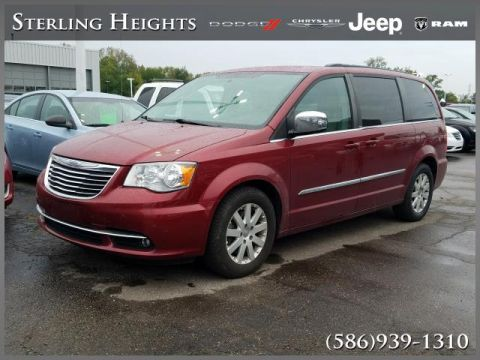 Pre-Owned 2012 Chrysler Town & Country 4dr Wgn Touring-L