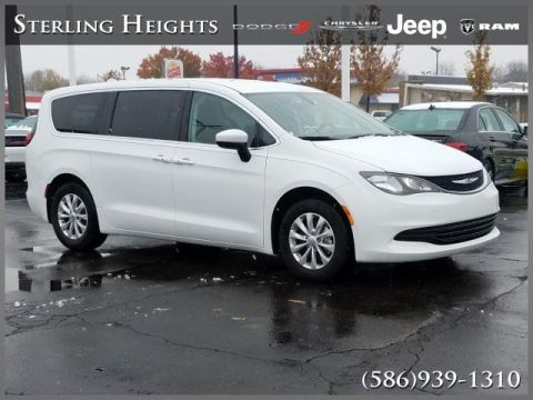 Certified Pre-Owned 2017 Chrysler Pacifica Touring FWD