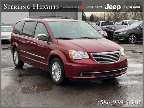 Pre-Owned 2016 Chrysler Town & Country 4dr Wgn Limited