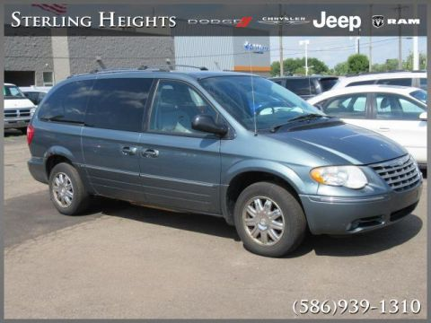 Pre-Owned 2005 Chrysler Town & Country 4dr LWB Limited FWD