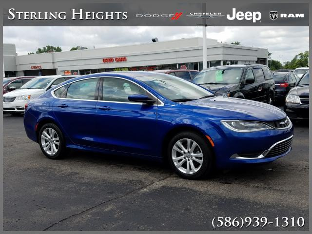 Certified Pre-Owned 2016 Chrysler 200 4dr Sdn Limited FWD