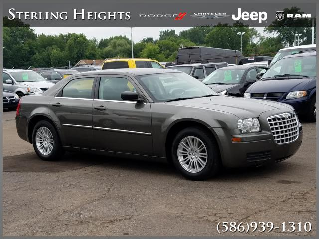 Pre-Owned 2009 Chrysler 300 4dr Sdn LX RWD *Ltd Avail*